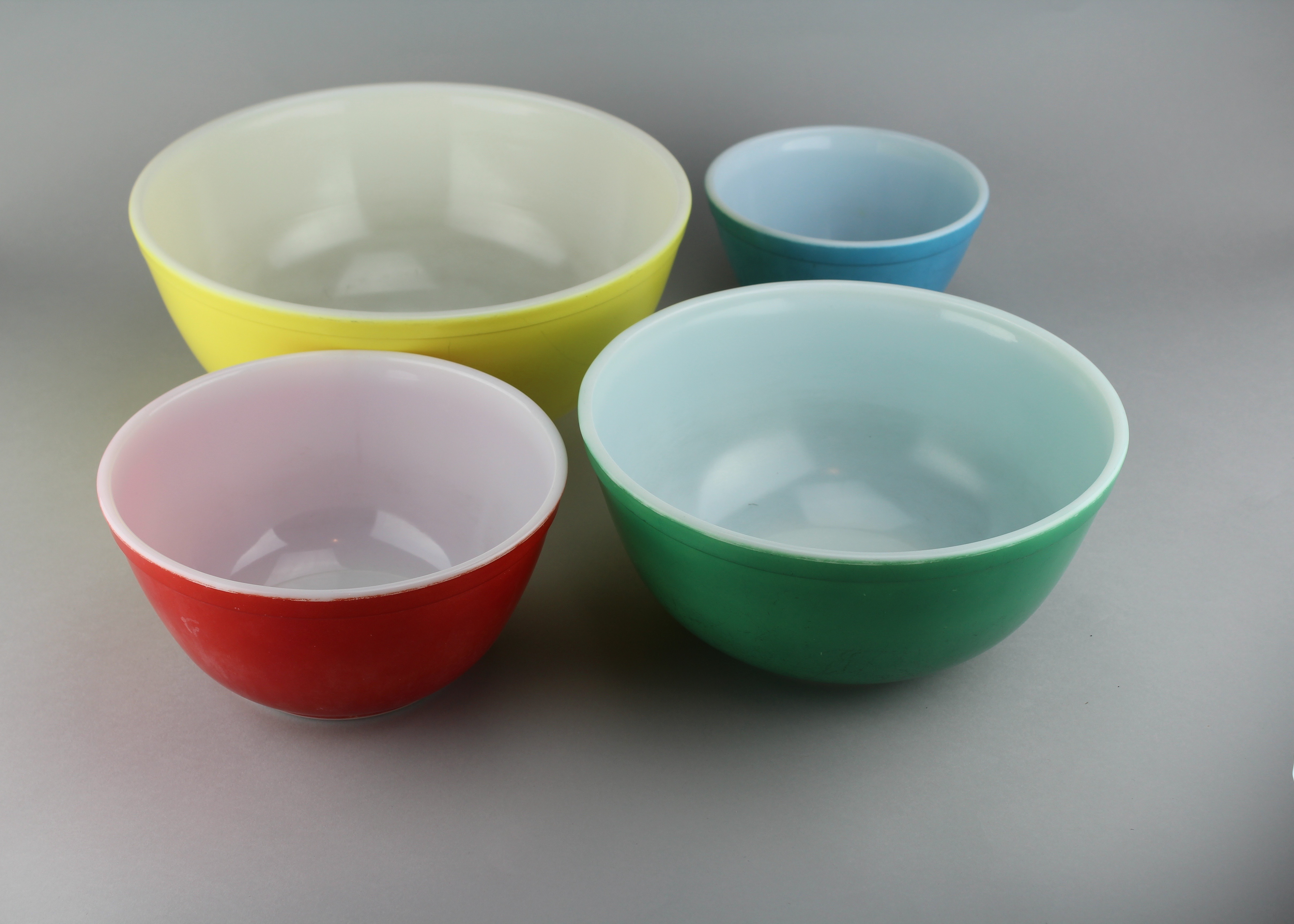 Set Of Vintage Pyrex Mixing Bowls Ebth