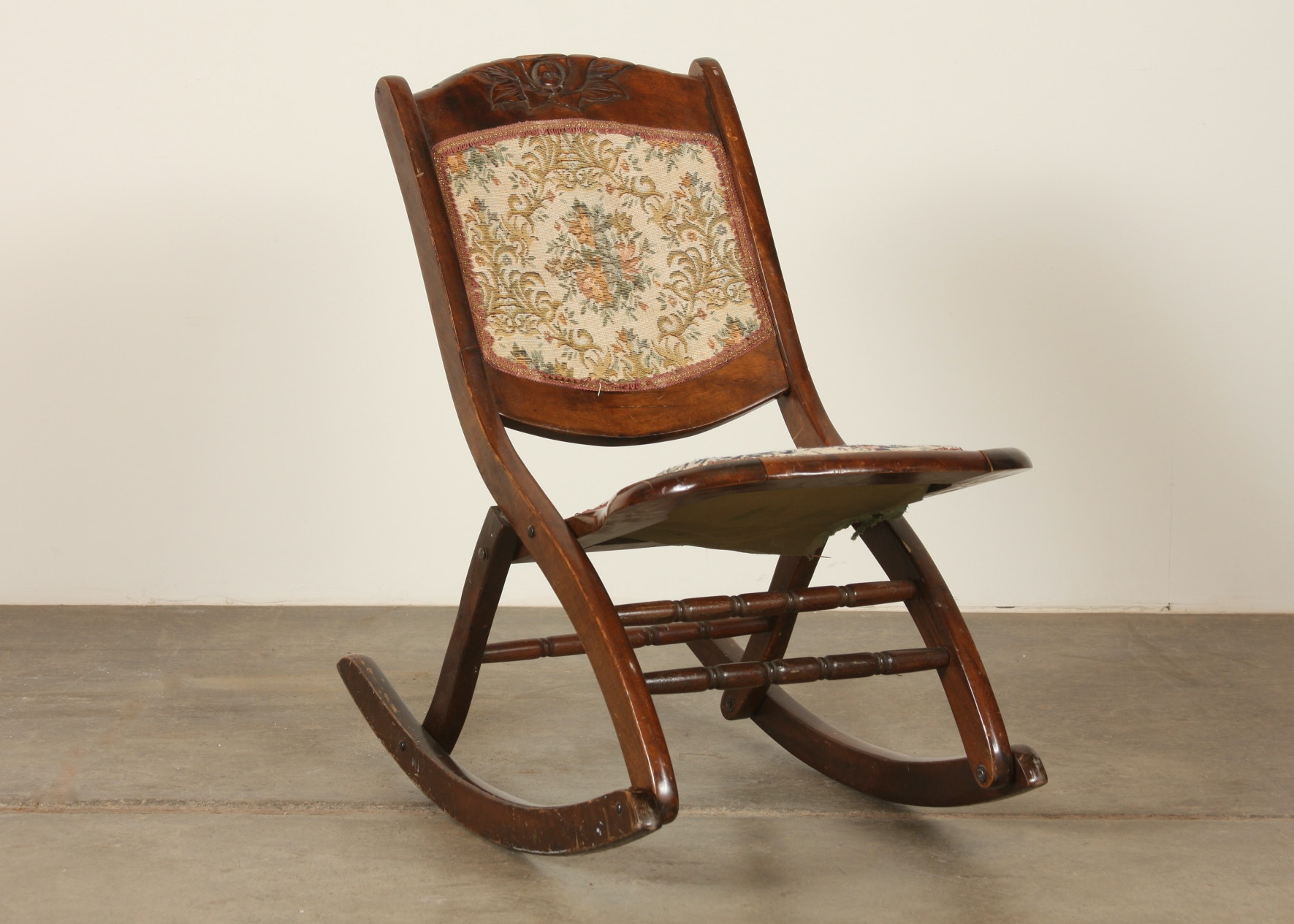Victorian era Folding Rocking Chair EBTH