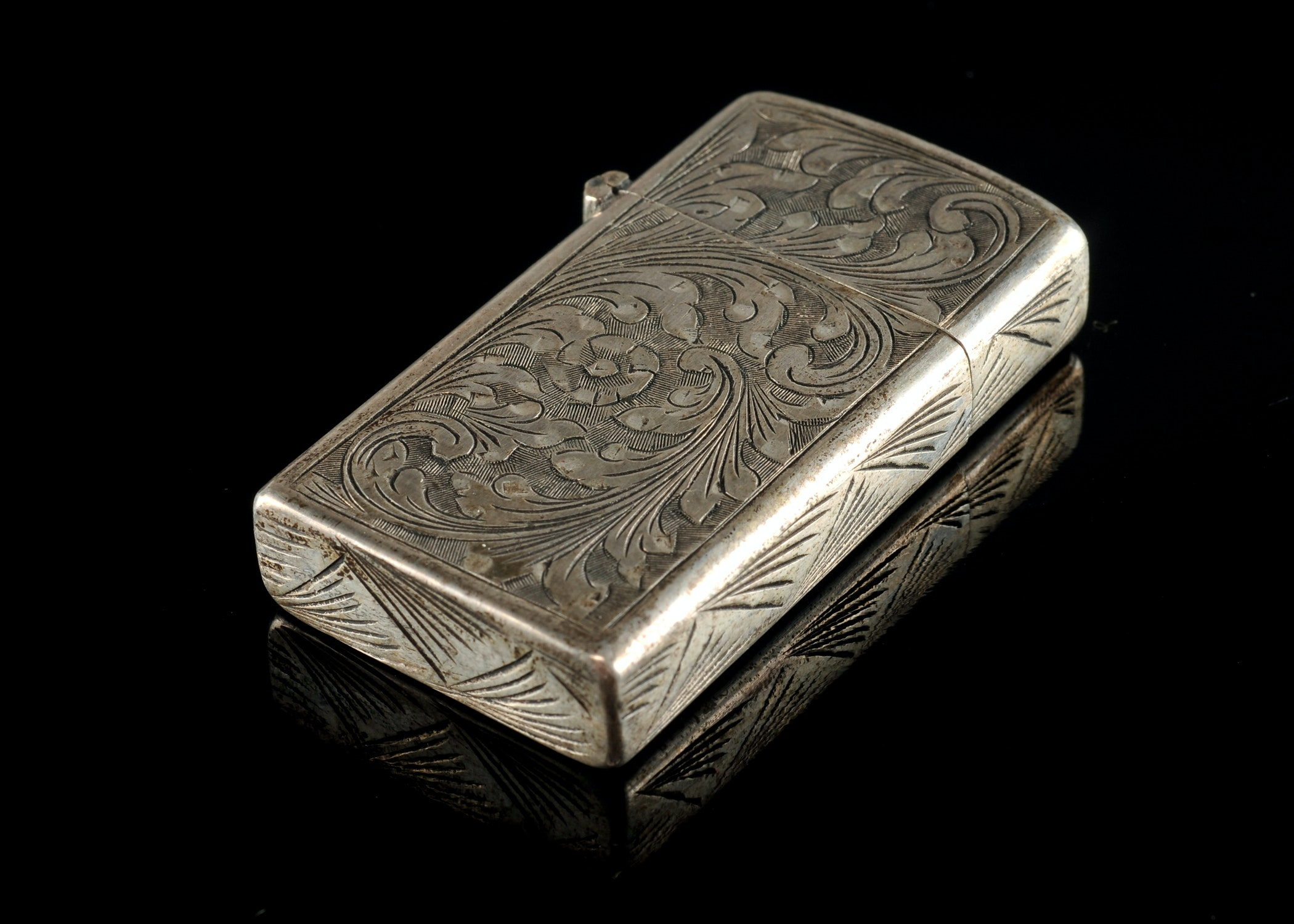 800 Silver Cigarette Lighter Case Ebth