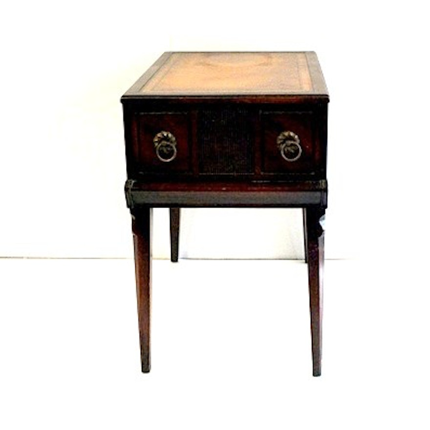Mid Century Stickley End Table With Faux Leather Inlay
