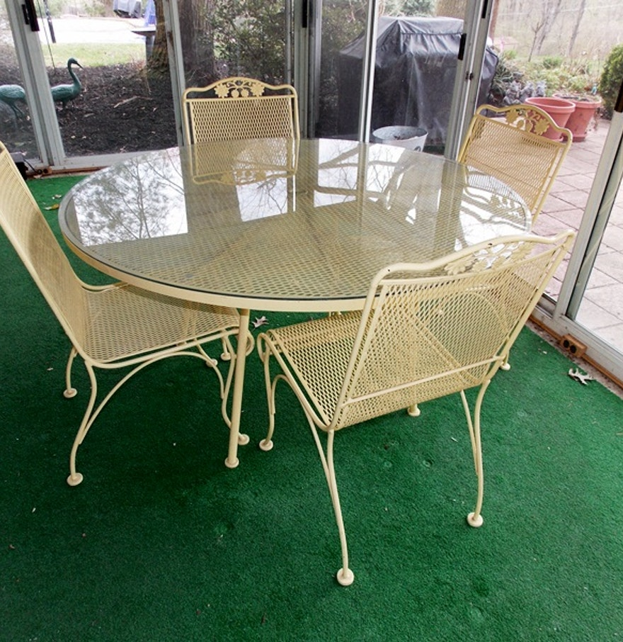 Pale yellow mesh outdoor furniture ebth for Outdoor furniture yellow