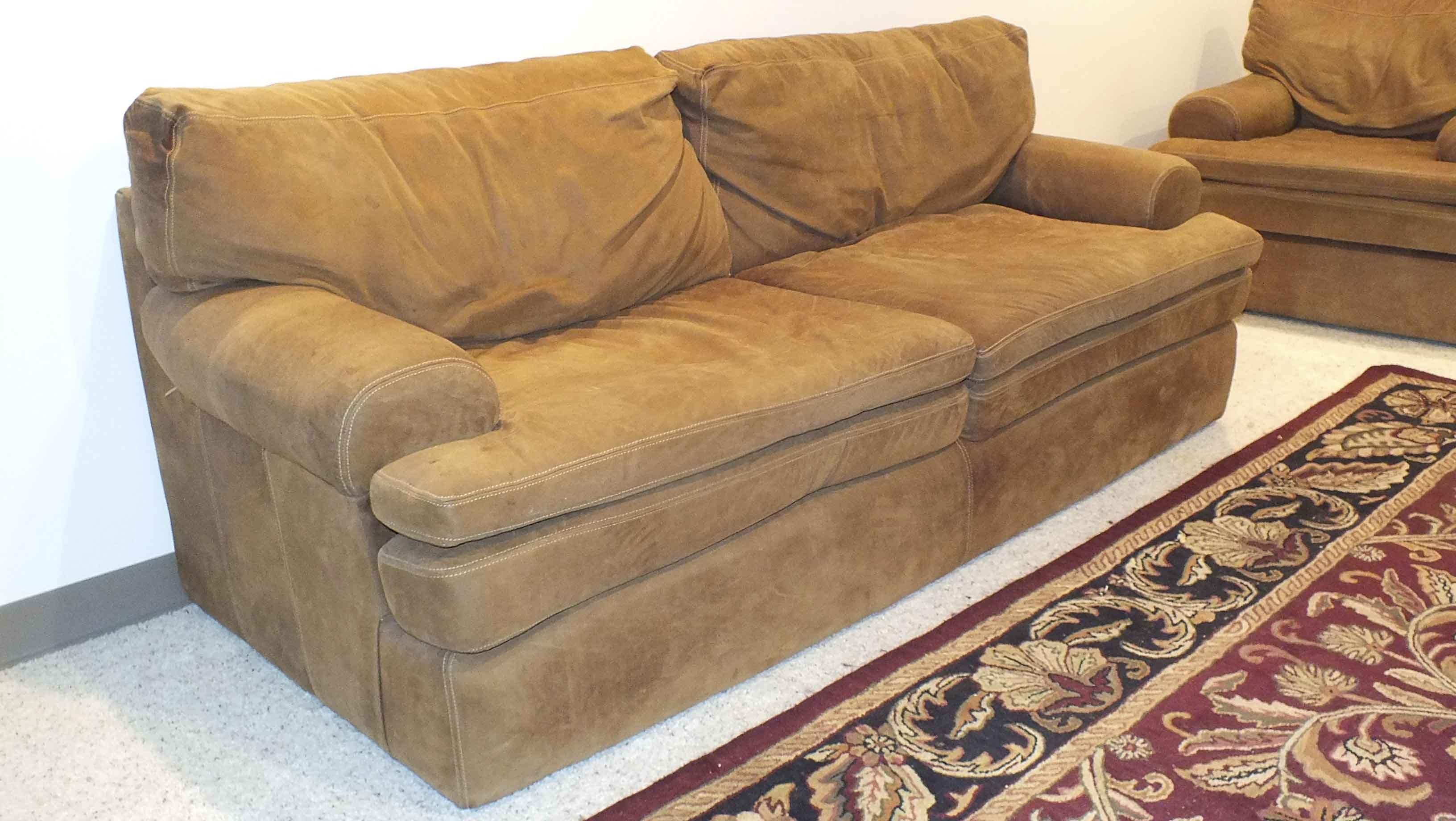 Rowe Markham Sofa Hmmi