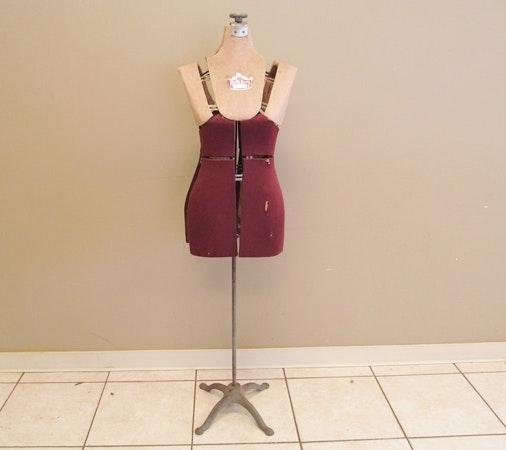 Vintage Quality Queen Adjustable Dress Form