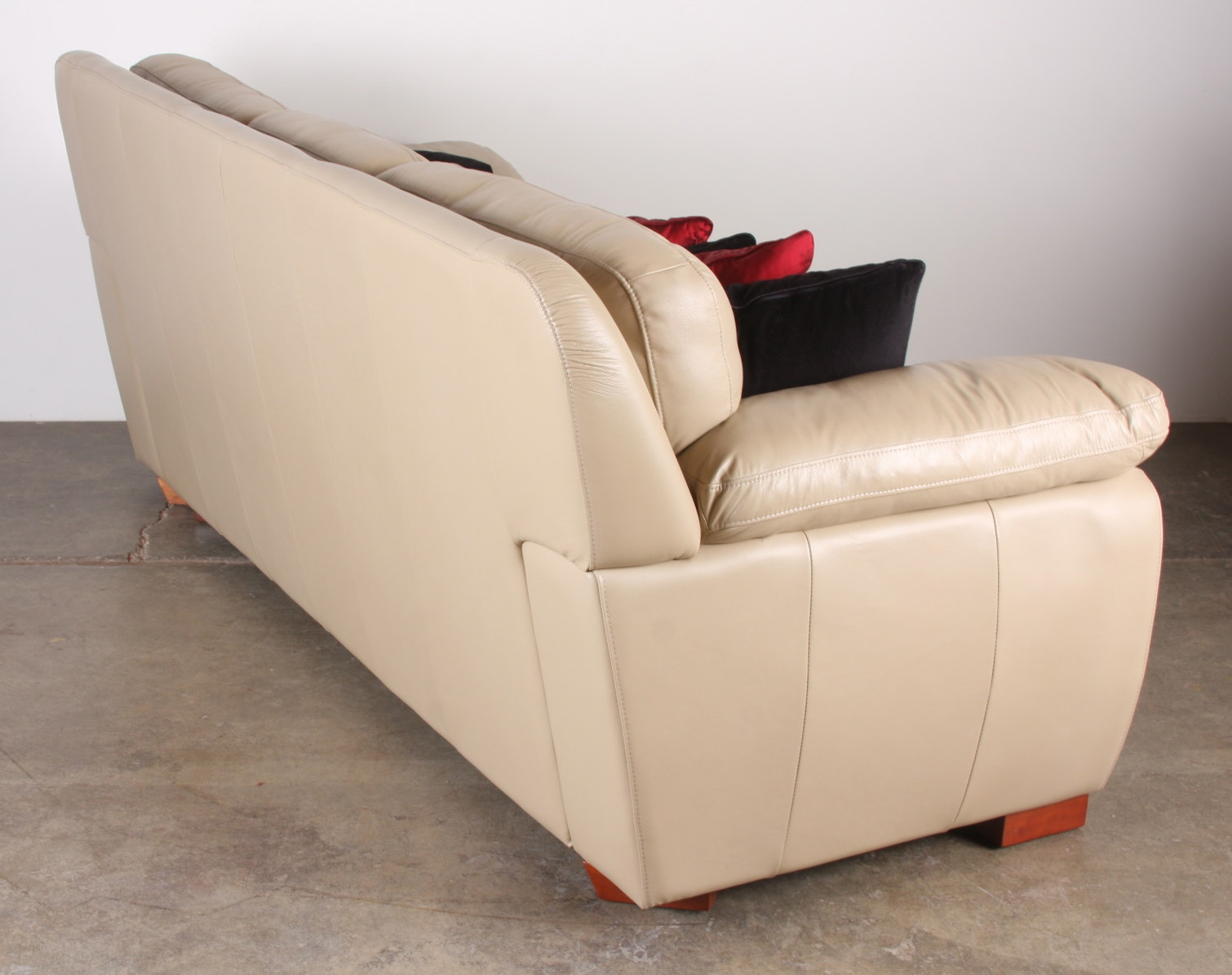 Leather Sofa by Superb Creations EBTH