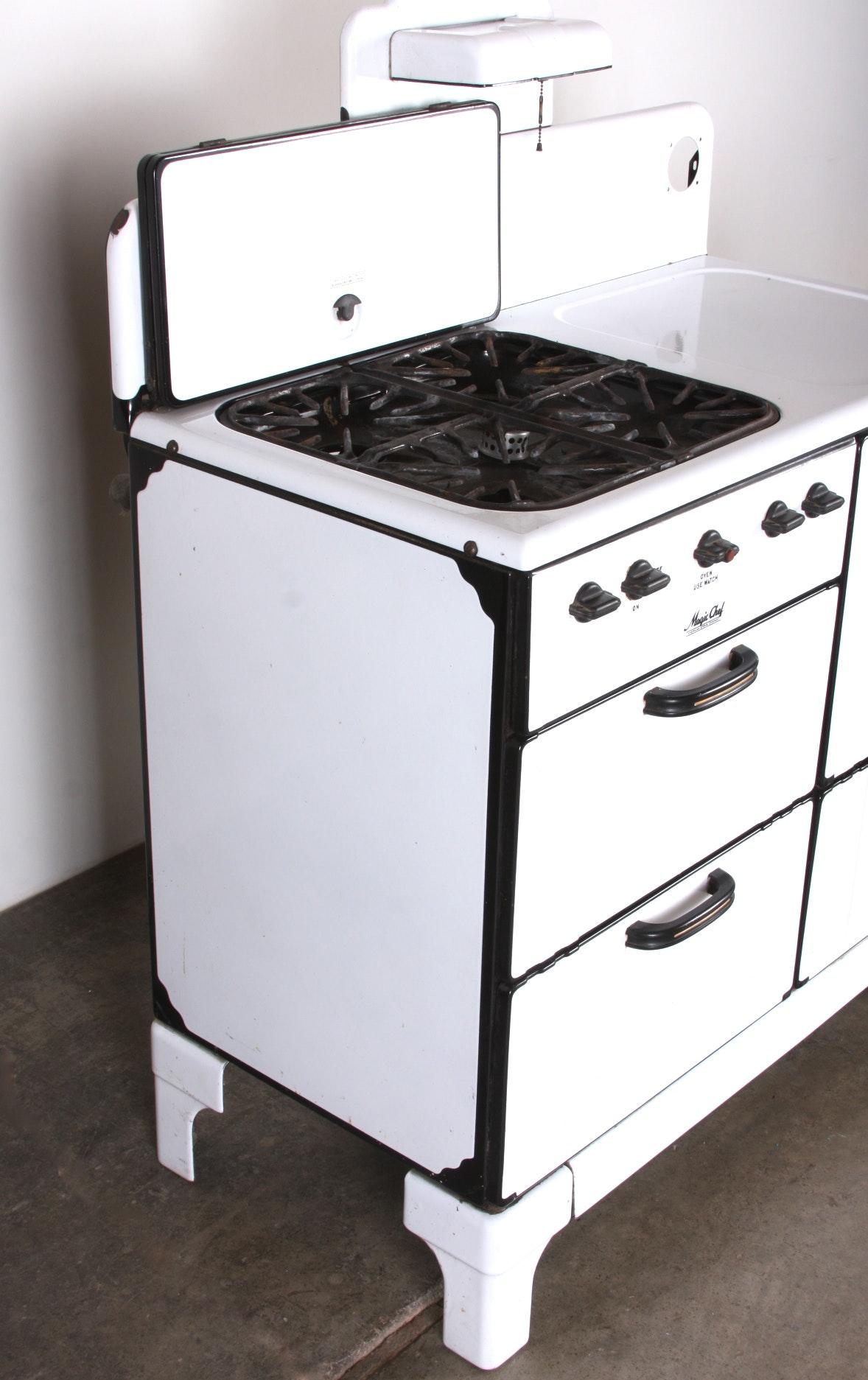 1940 S Magic Chef Gas Stove In Black And White Ebth