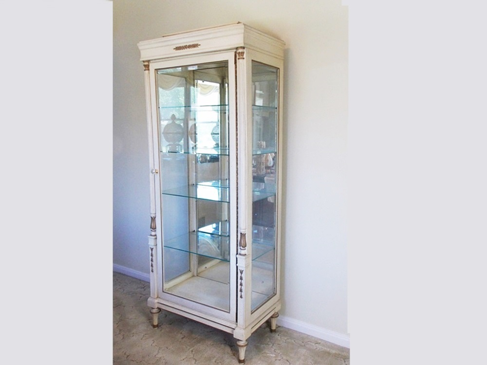 Vintage French Provincial Style Curio Cabinet : EBTH