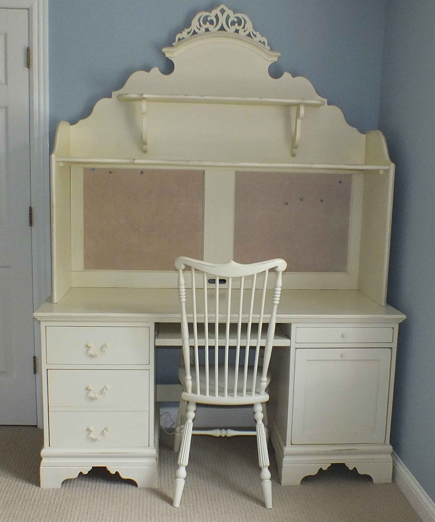 Painted Computer Desk With Hutch