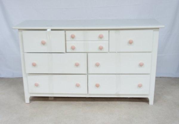 white wood six drawer dresser ebth. Black Bedroom Furniture Sets. Home Design Ideas