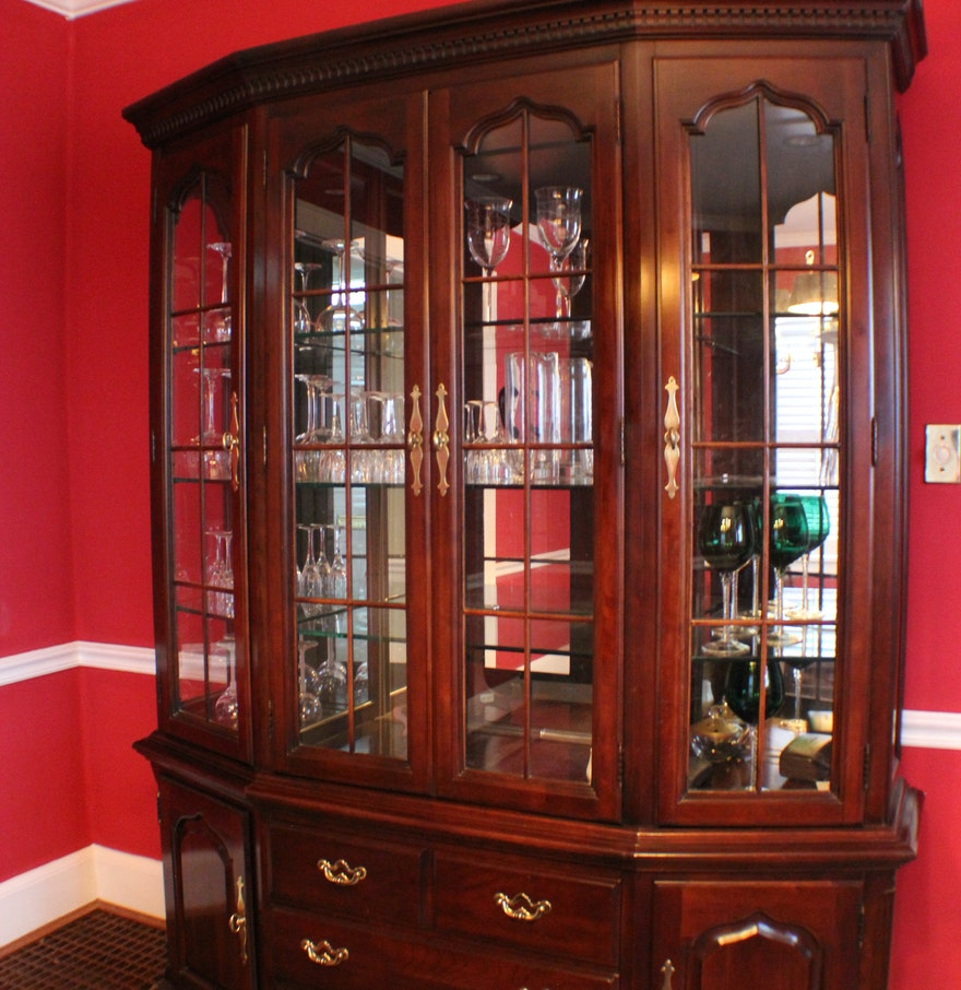 Thomasville cherry hutch china cabinet ebth for Thomasville lights