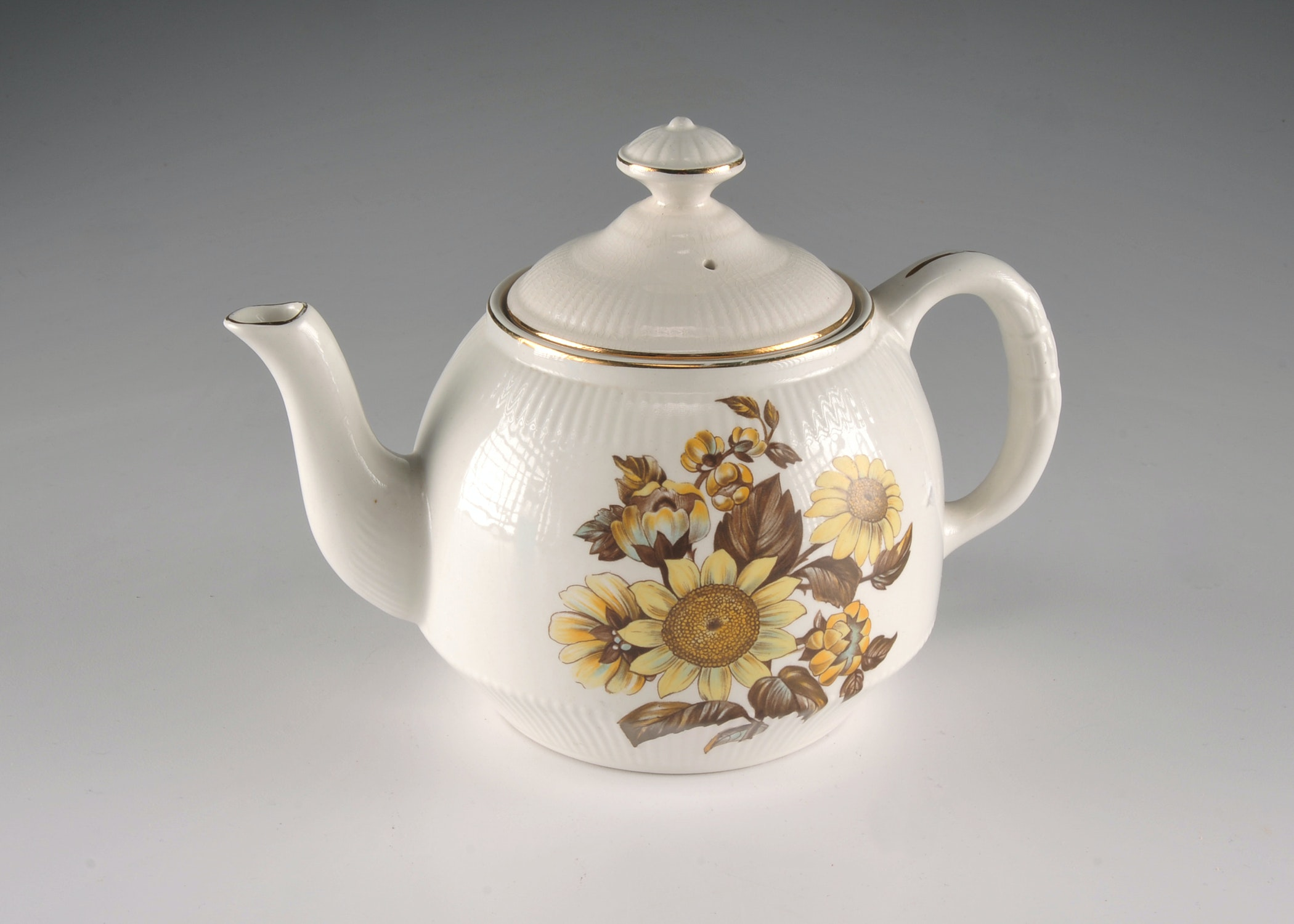 English Royal Warwick China Teapot Sunflower Pattern Ebth