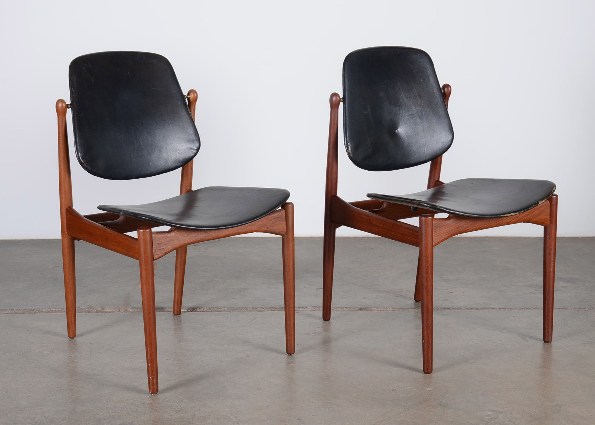 Charmant Pair Of Arne Vodder Mid Century Side Chairs ...