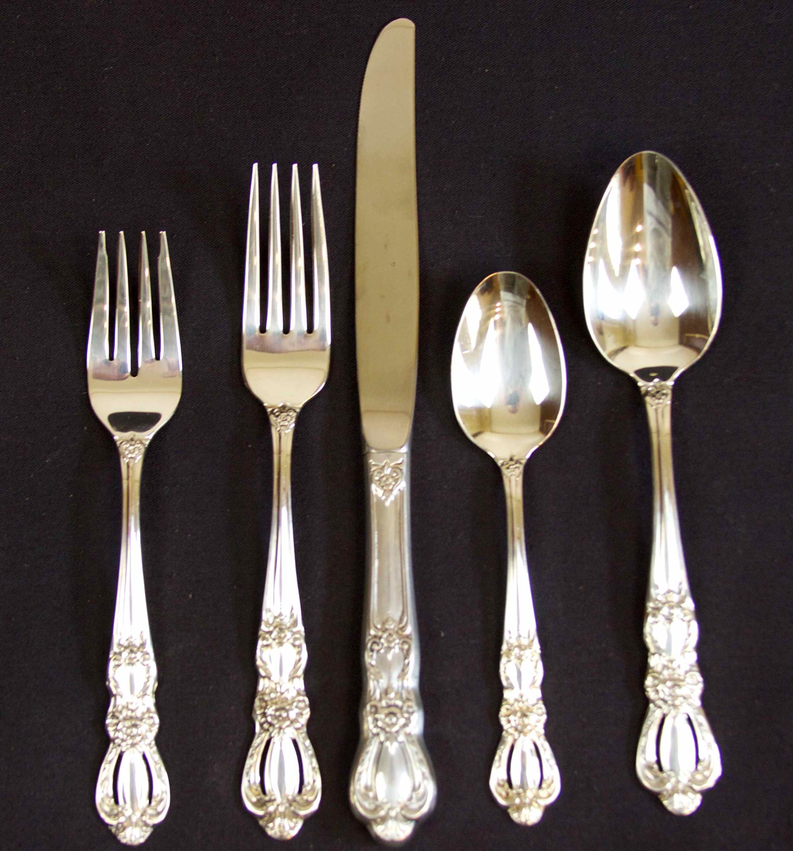 SILVERPLATE FLATWARE WITH ASSORTED PIECES AND BOX