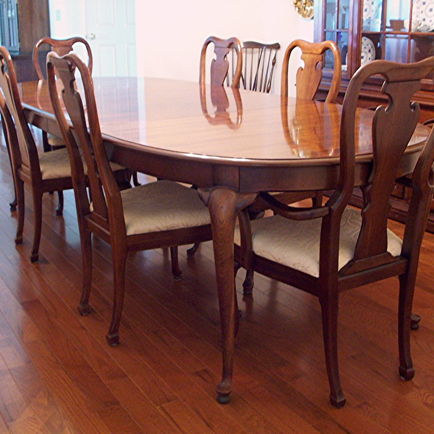 Thomasville Queen Anne Dining Table and Six Chairs