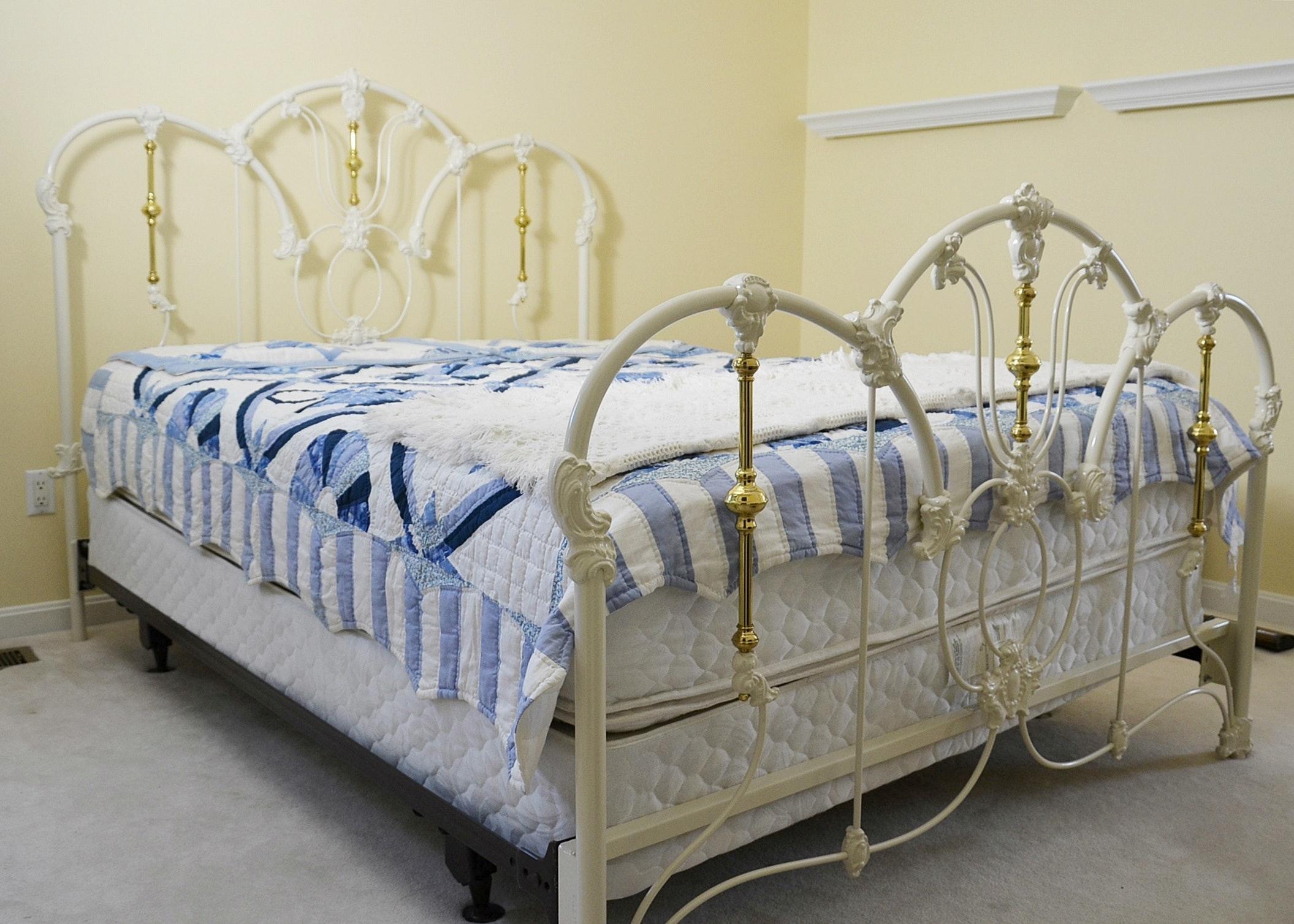 Elliot S Designs Jasmine White Metal Queen Bed With