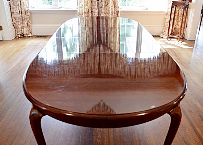 thomasville queen anne style cherry dining room table ebth. Black Bedroom Furniture Sets. Home Design Ideas