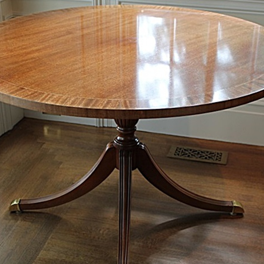 Duncan Phyfe Round Table With Drawer.Councill Duncan Phyfe Style Round Dining Table