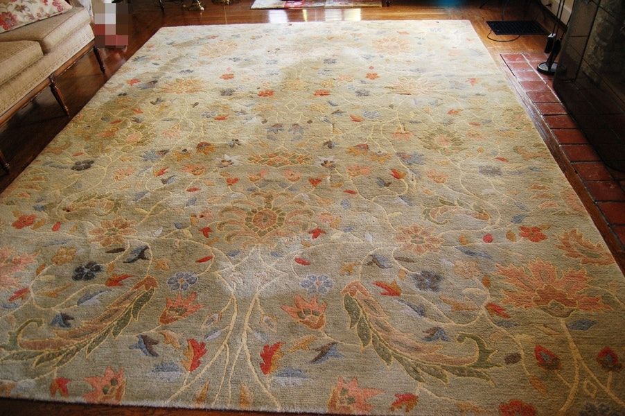 Hand Knotted Lotus Wool Rug