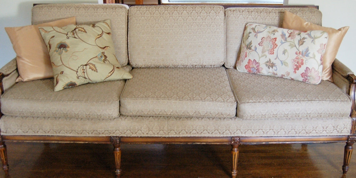 American Federal Style Sofa
