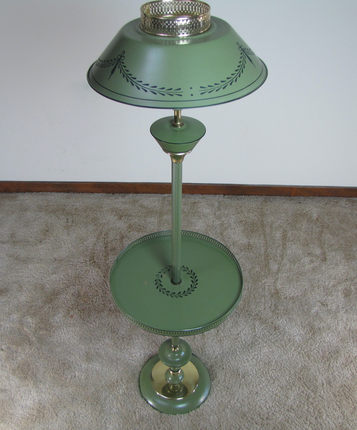 Brass Floor Lamp With Glass Tray Table: Vintage Tole Floor Lamp With Tray Table : EBTH