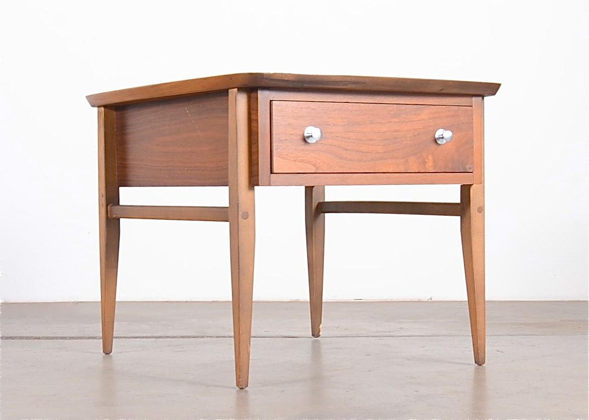 Vintage Lane Furniture Walnut Side Table