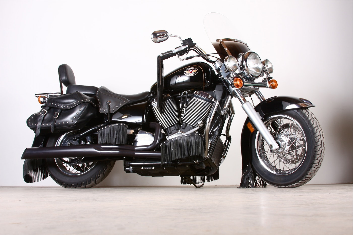 2001 Victory V92c Deluxe Motorcyle Ebth