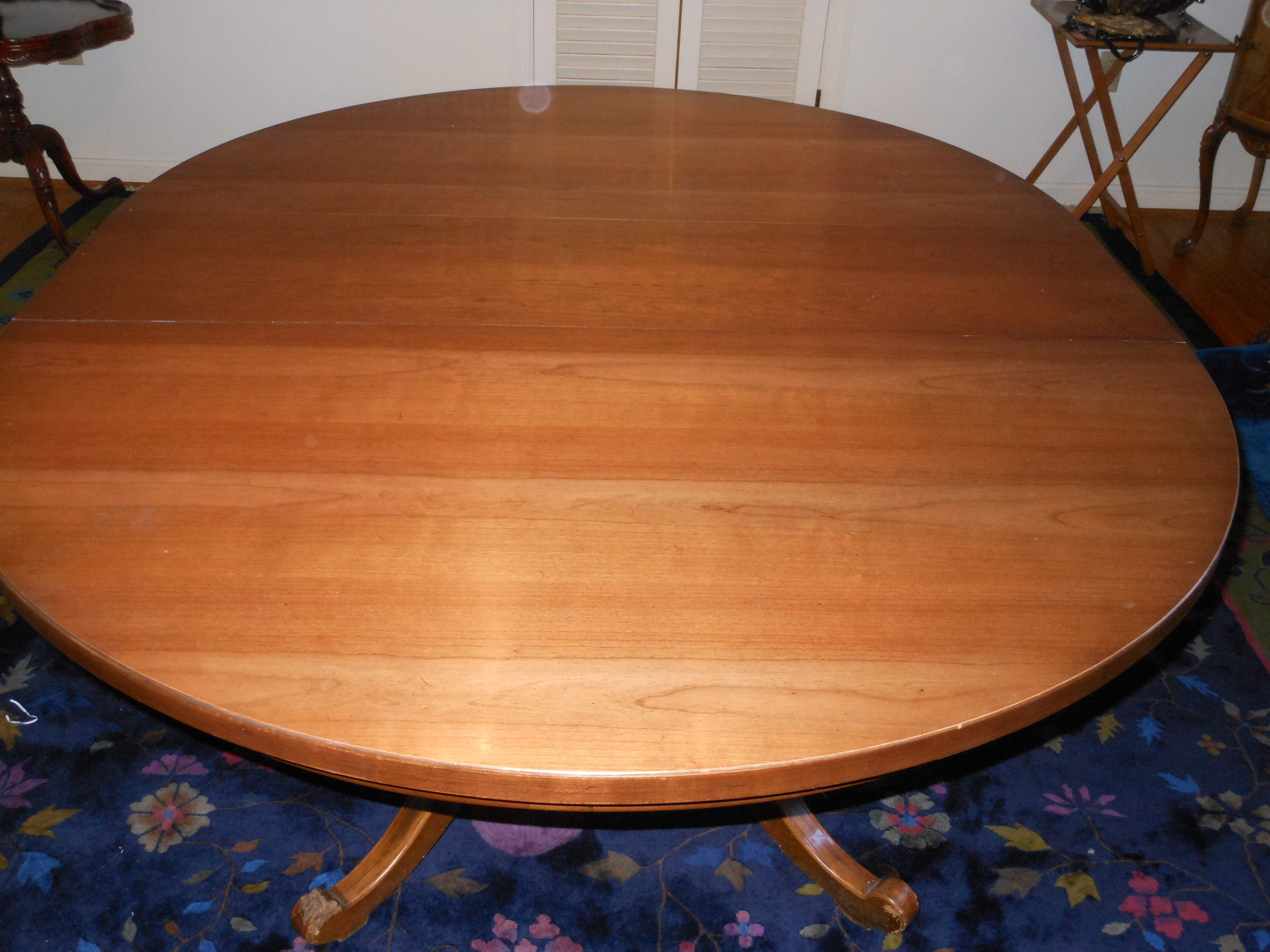 Thomasville Dining Room Table And 6 Windsor Chairs ...