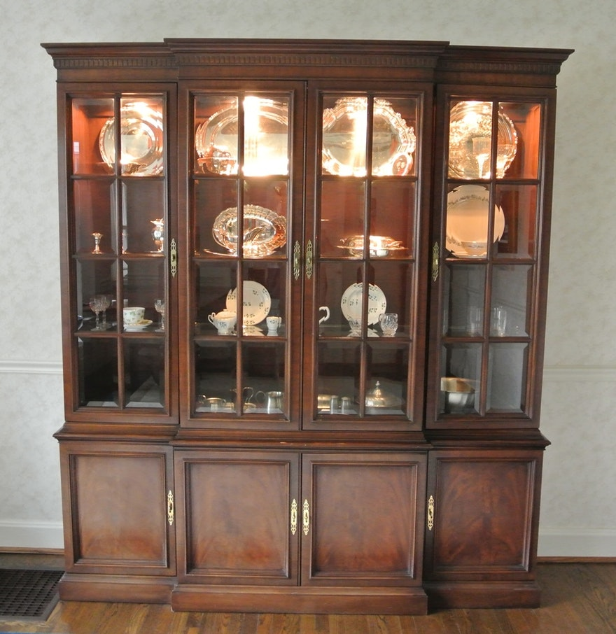 Chippendale China Cabinet Henredon Breakfront China Cabinet Ebth