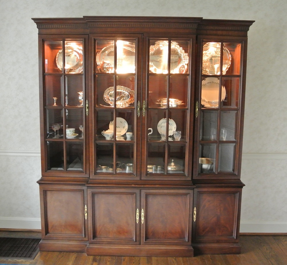 Exceptionnel Henredon Breakfront China Cabinet ...