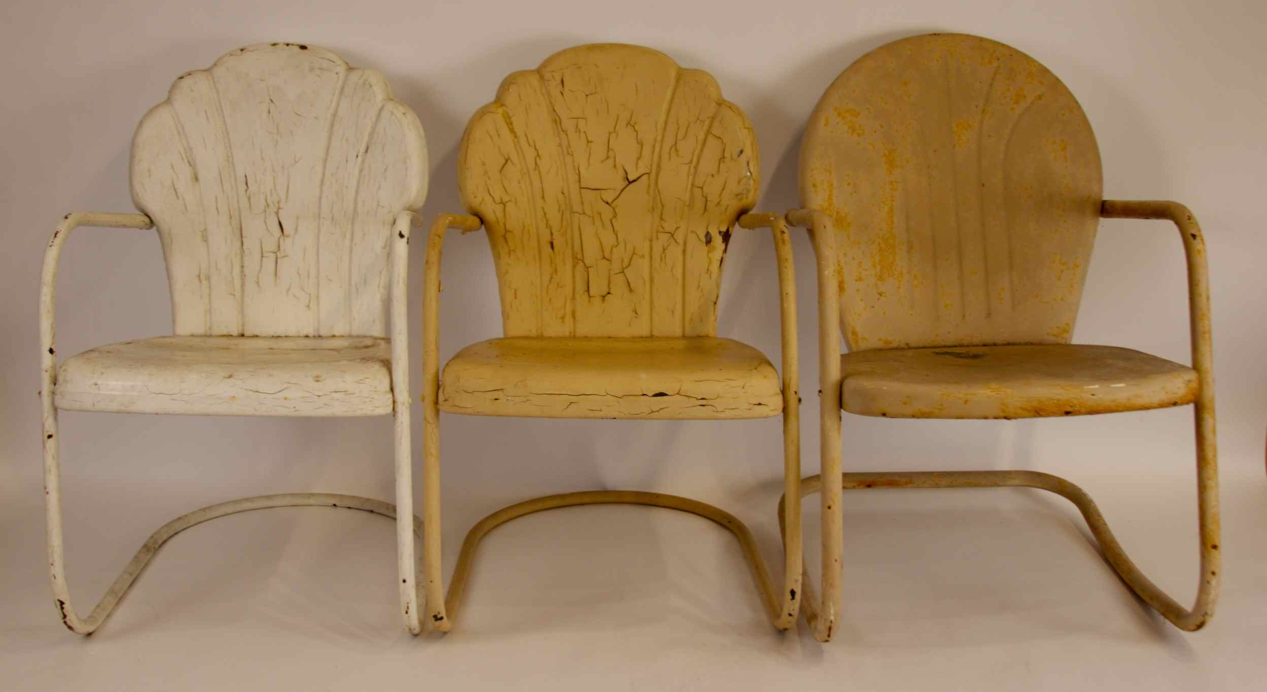 Charmant 3 Vintage Shell Back Metal Lawn Chairs ...