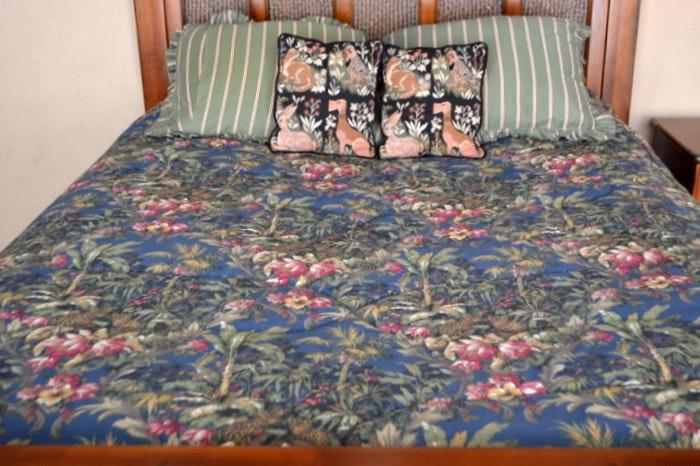 Raymond Waites Queen Bed Linens ...