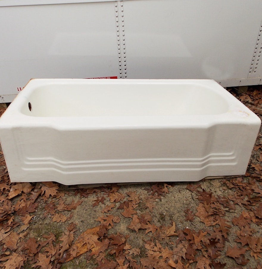 Vintage 1950 Cast Iron And Enamel Bathtub : EBTH