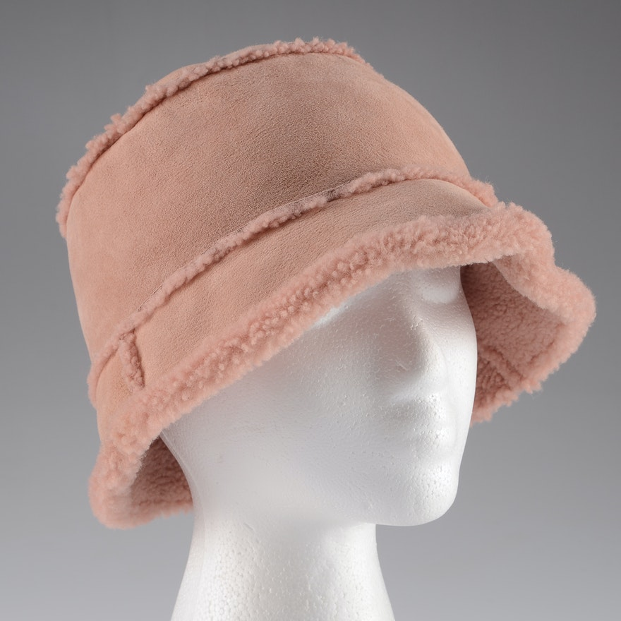 c9fe81477f3 Neiman Marcus Made in Italy Lamb Fur Lined Pink Suede Cloche Hat   EBTH