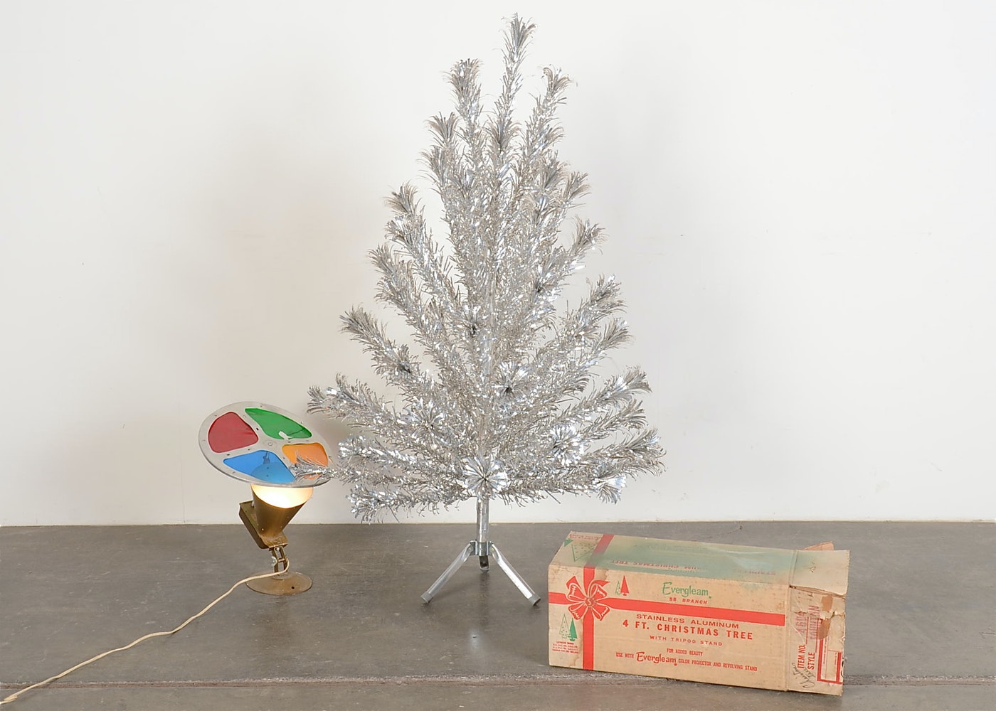 Evergleam Aluminum Christmas Tree With Color Wheel