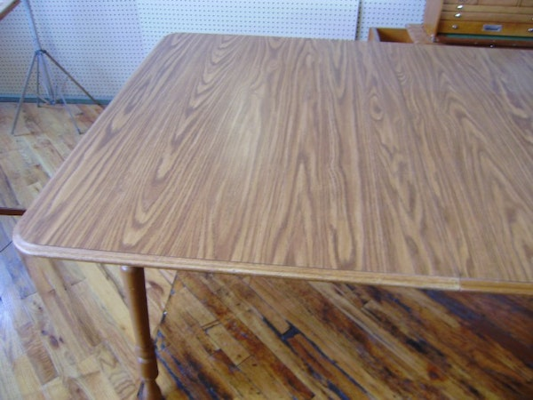 Dinaire Kitchen Table