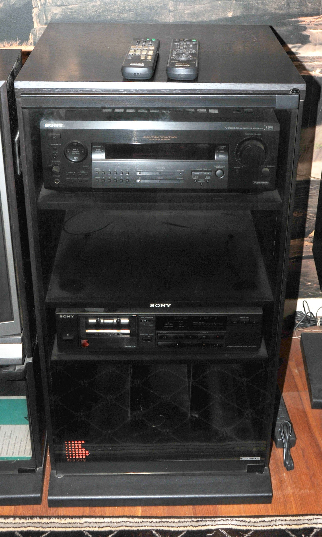 Sony Stereo System And Cabinet ...