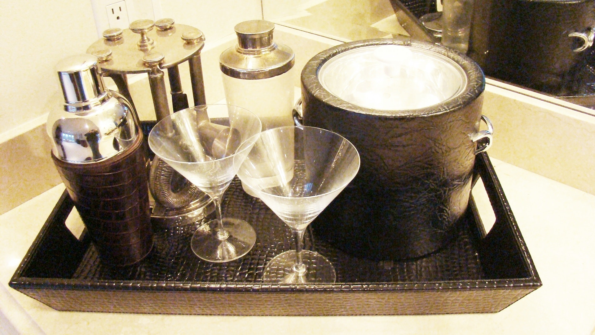 Over 35 Pieces Of Barware Including Pottery Barn Items : EBTH