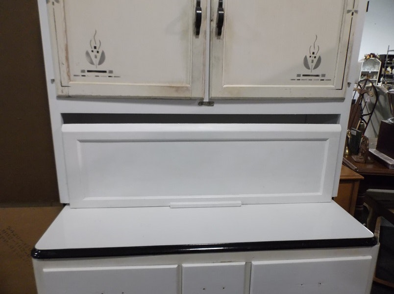 A sellers stand alone kitchen cabinet ebth for Kitchen colors with white cabinets with handicap sticker for car