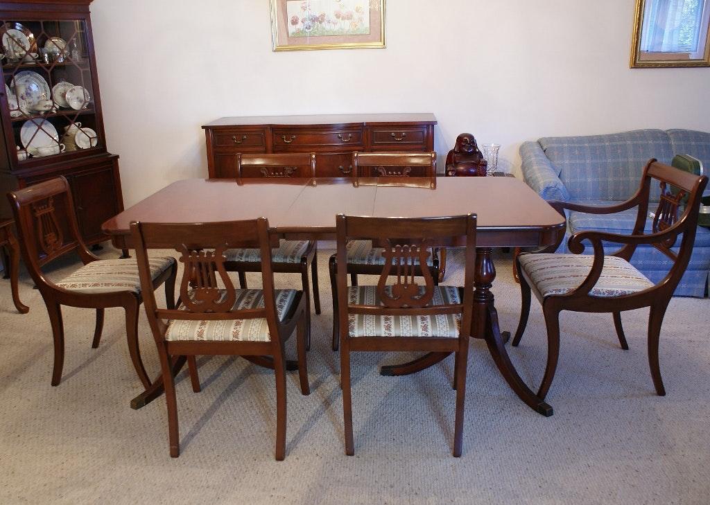duncan phyfe style mahogany dining room set ebth