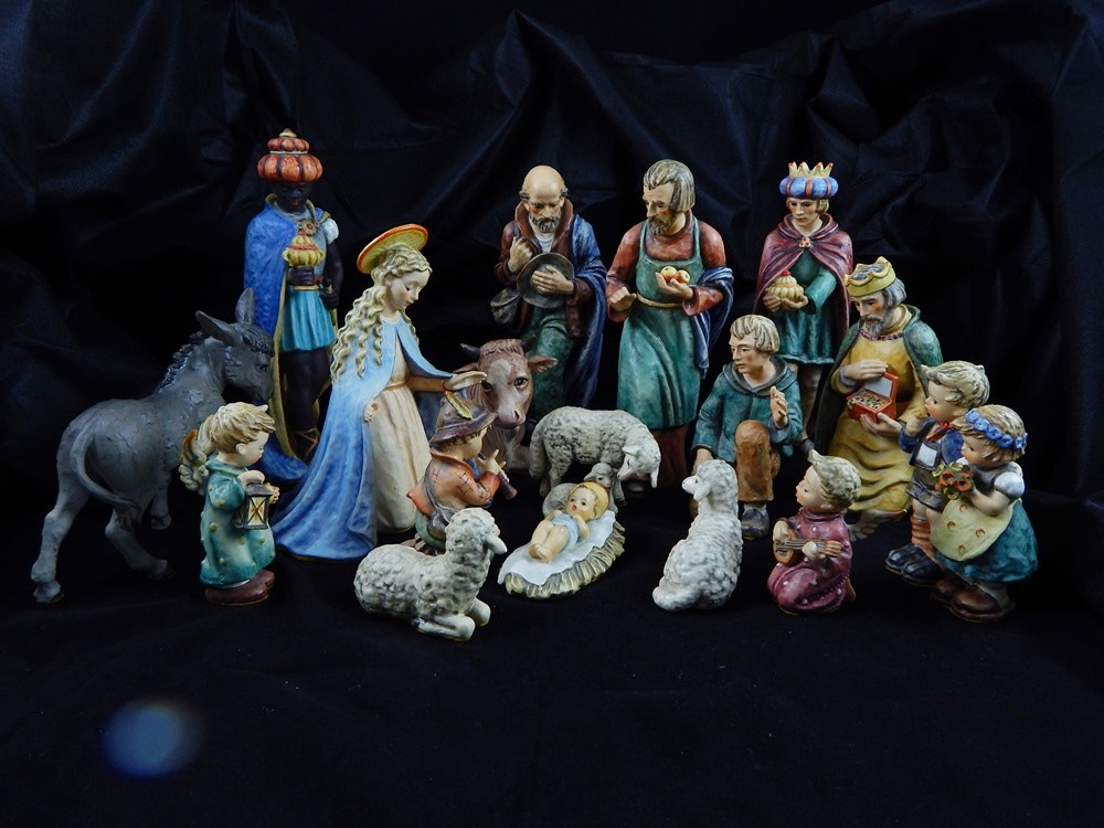 Large Hummel 1968 Nativity Set