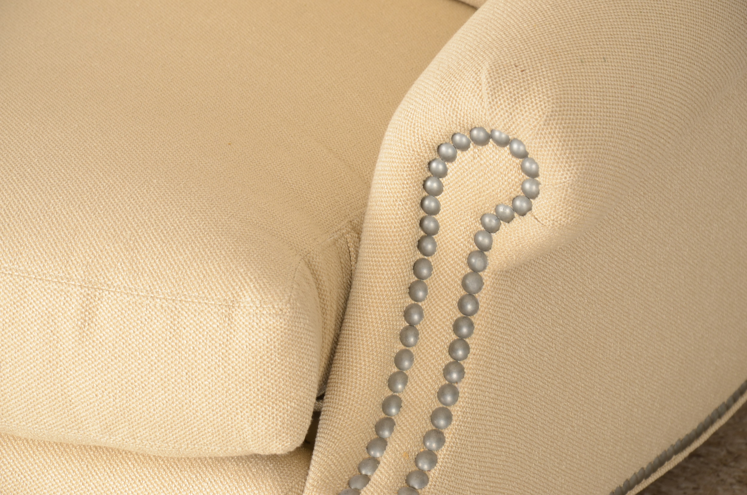 Vanguard Furniture Three-Cushion Sofa : EBTH