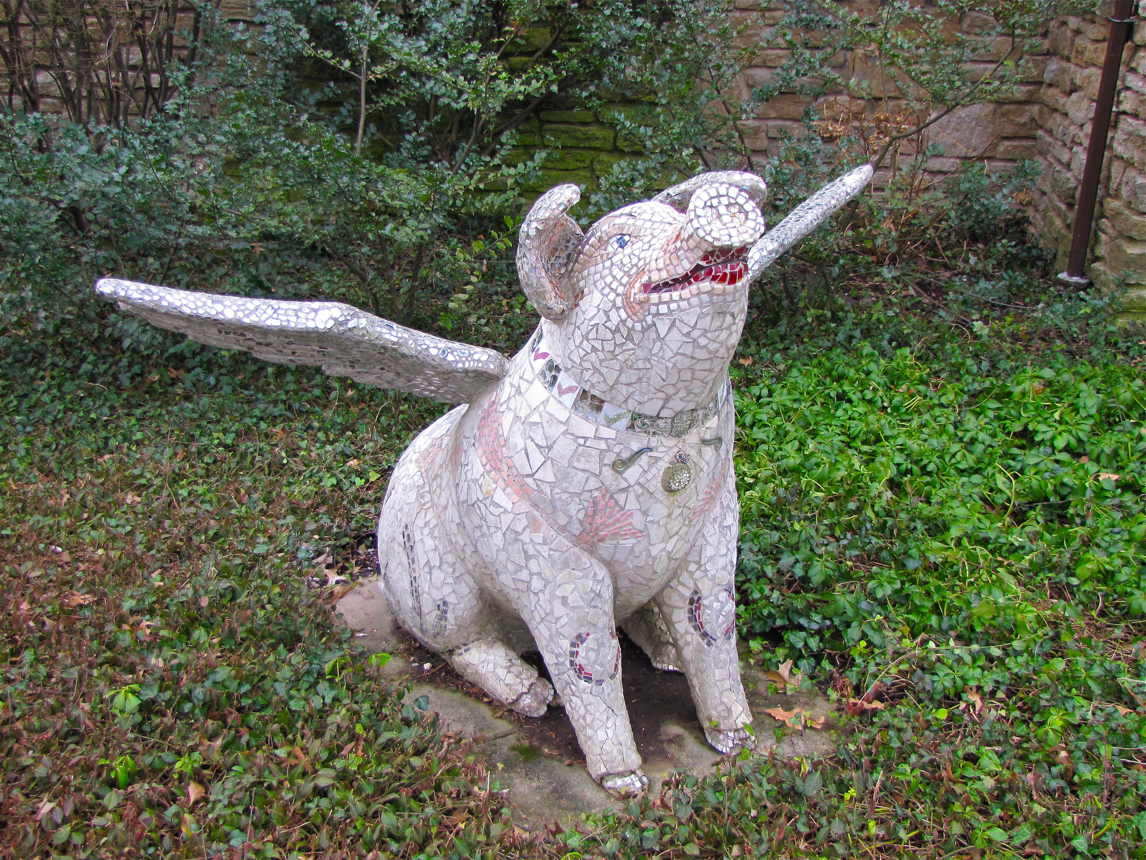 "Cincinnati's 2000 Big Pig Gig Featured ""Pig Of Possibilities"" Statue"