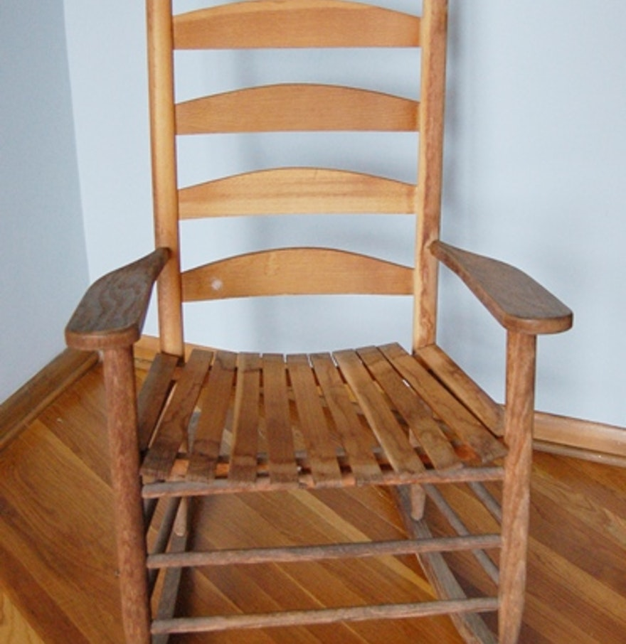 Ladder Back Wood Rocking Chair : EBTH