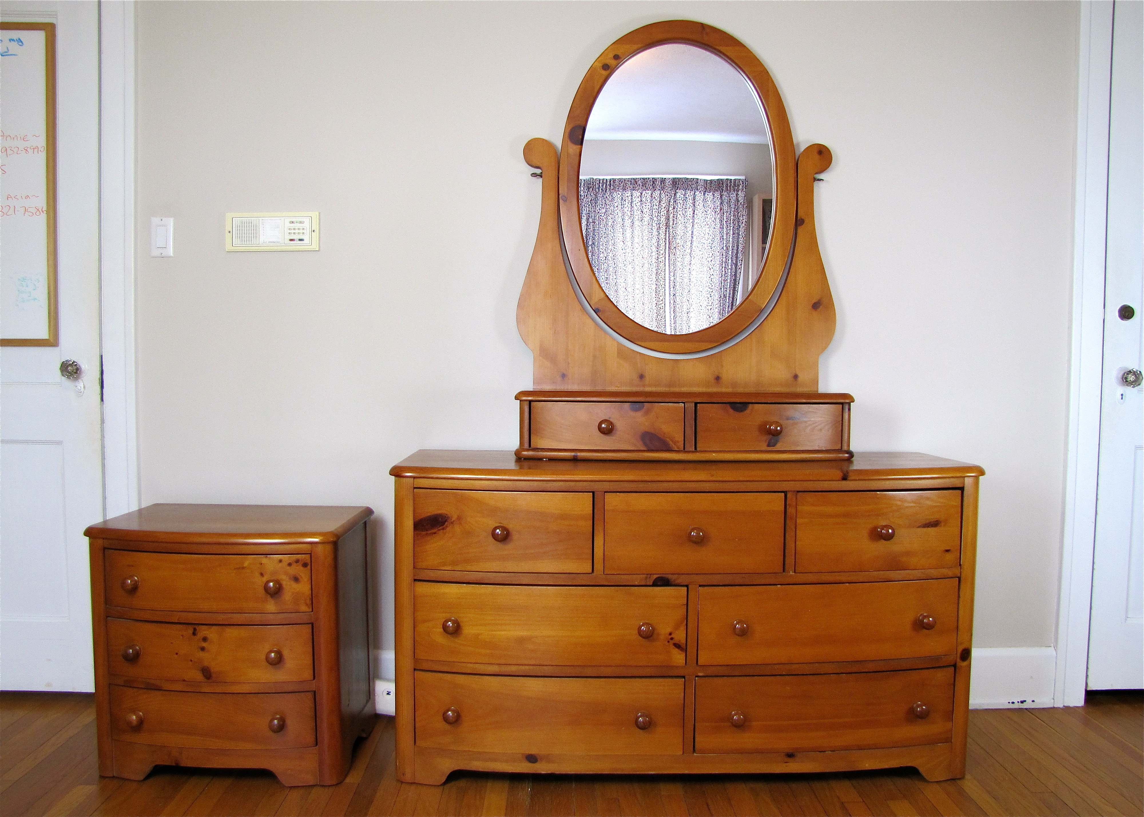 Stanley Furniture Pine Dresser With Mirror Vanity Top Night Stand