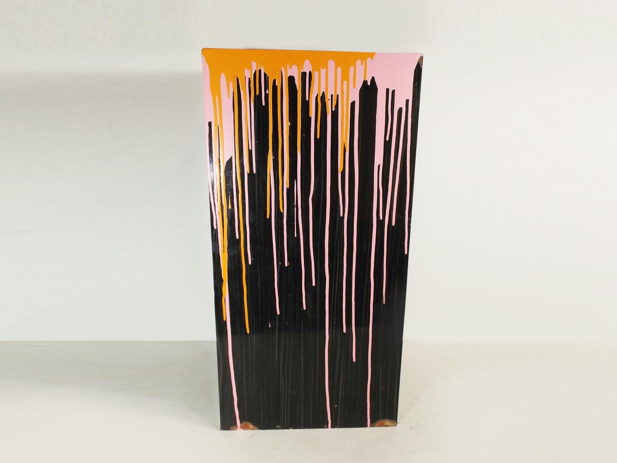 Drip-Painted Laminate Pedestal