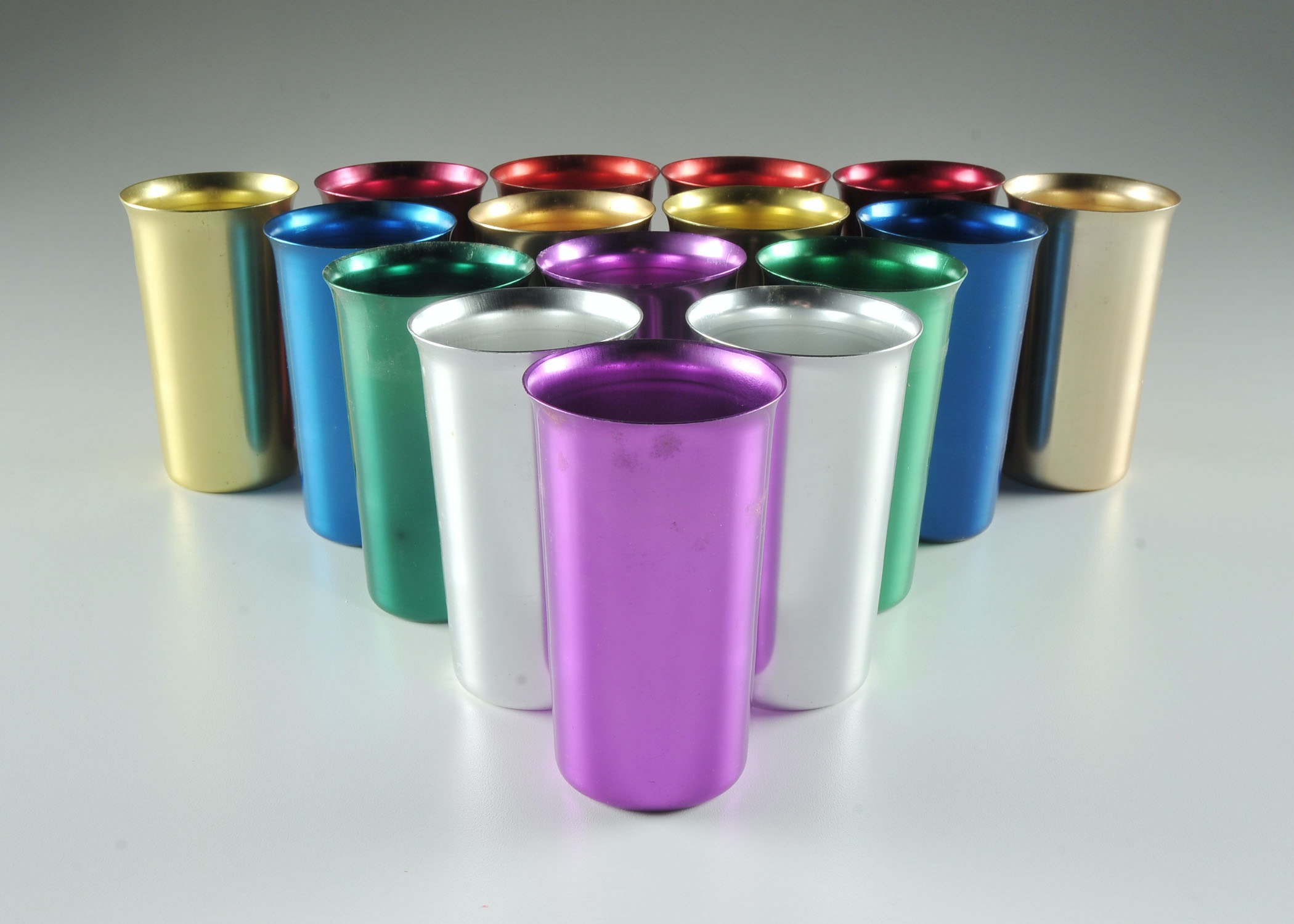 1960s Sunburst Aluminum Color Cups Ebth