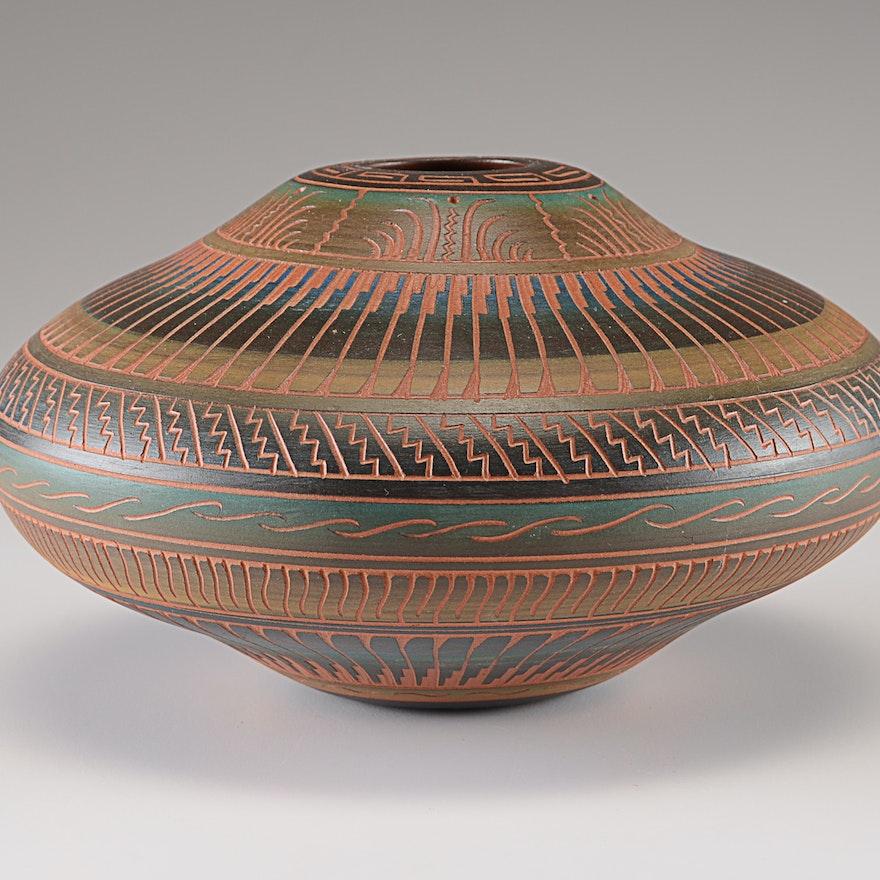 signed navajo art pottery vase ebth