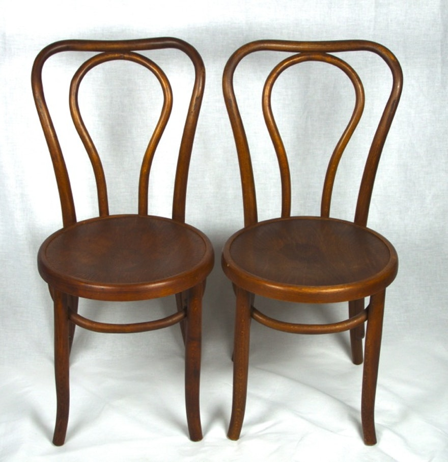 Bentwood bistro chair - Two Antique Oak Bentwood Bistro Chairs