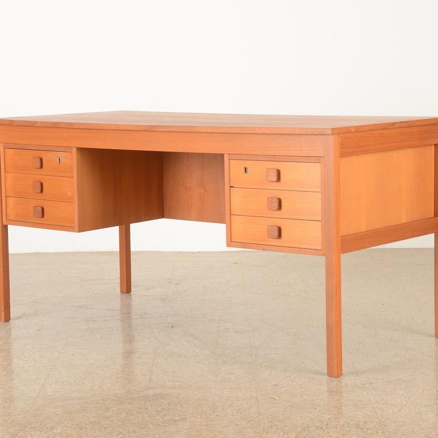 Mid Century Modern Teak Domino Mobler Danish Desk