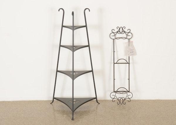 longaberger wrought iron corner shelf with plate rack ebth. Black Bedroom Furniture Sets. Home Design Ideas