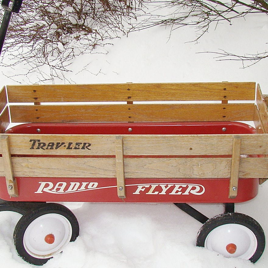 Radio Flyer Quot Travler Quot Red Wagon With Wood Sides Ebth